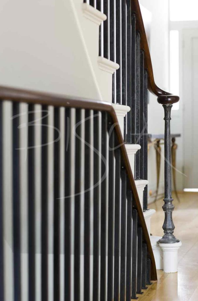 1679 - Bisca simple forged balustrade design london