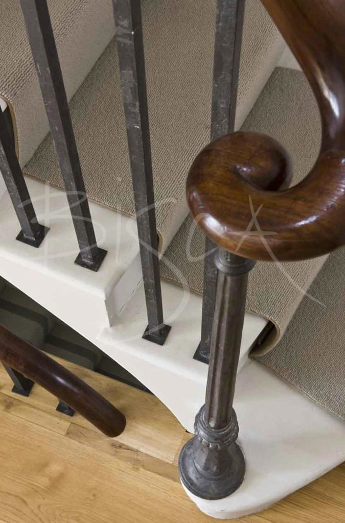 1679 - Bisca simple forged balustrade design london