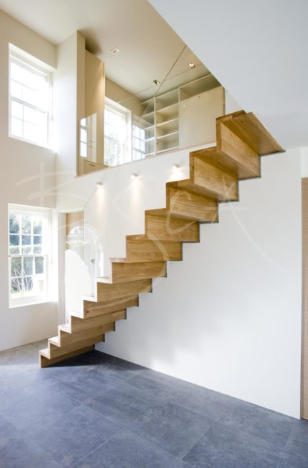 1996 - Bisca Contemporary Oak Cantilever Staircase Design Channel Islands