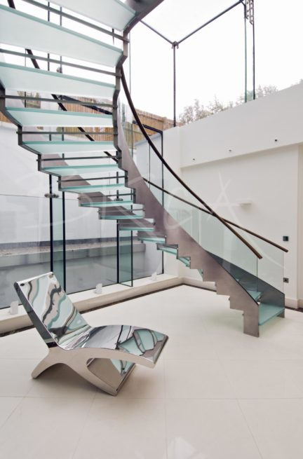 2146 - Bisca glass helical stair design UK