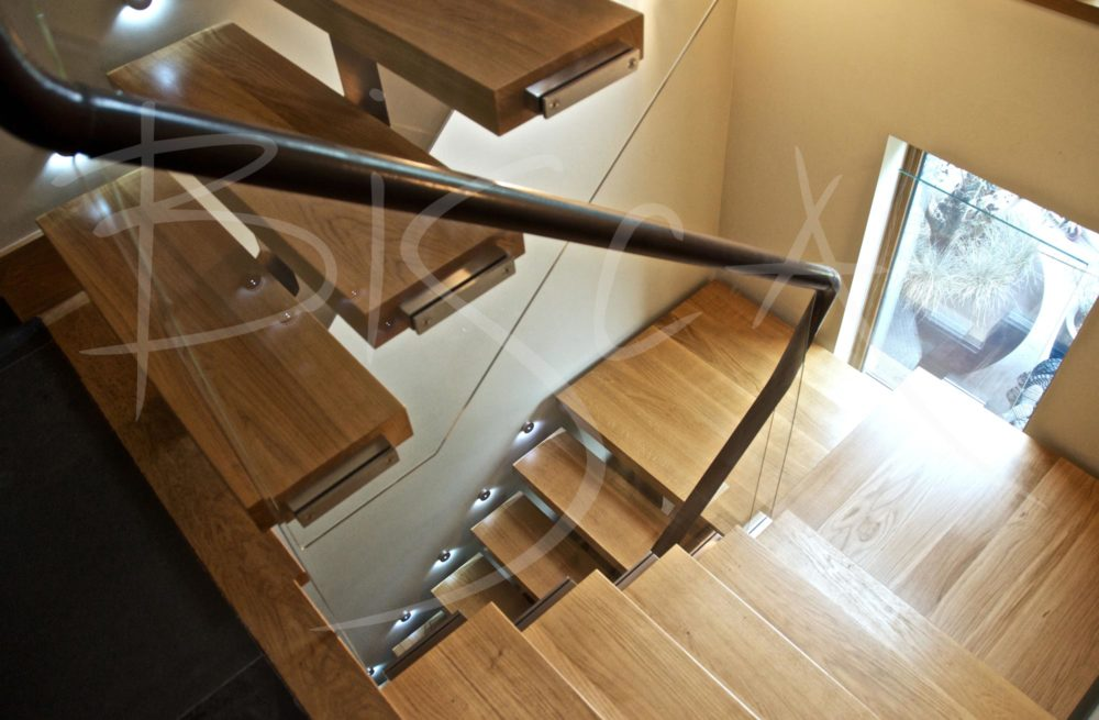 2162 - Bisca multi flight staircase design with central spine