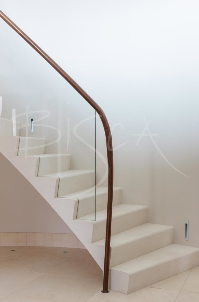 3043 - feature balustrade classic stone staircase design