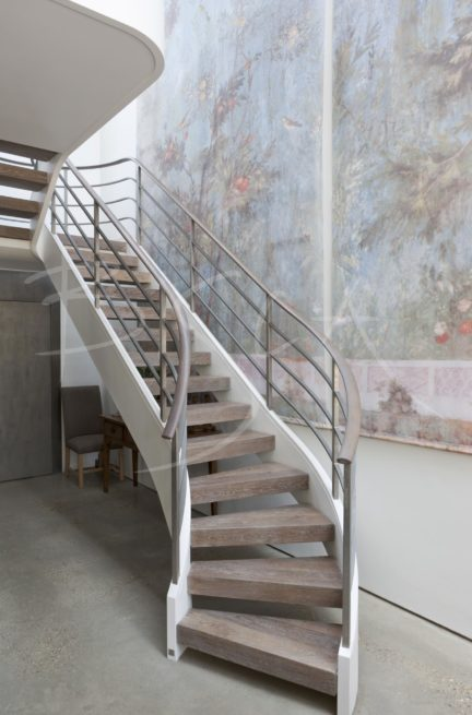 3080 - Bisca award winning feature staircase