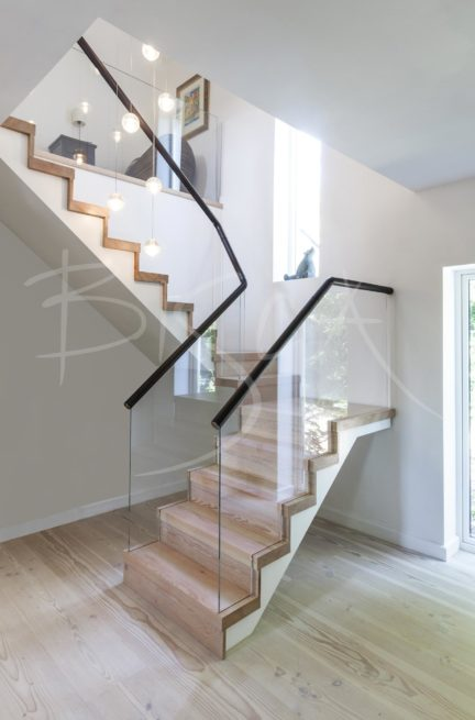 3250 - Bisca Contemporary Timber Staircase Design