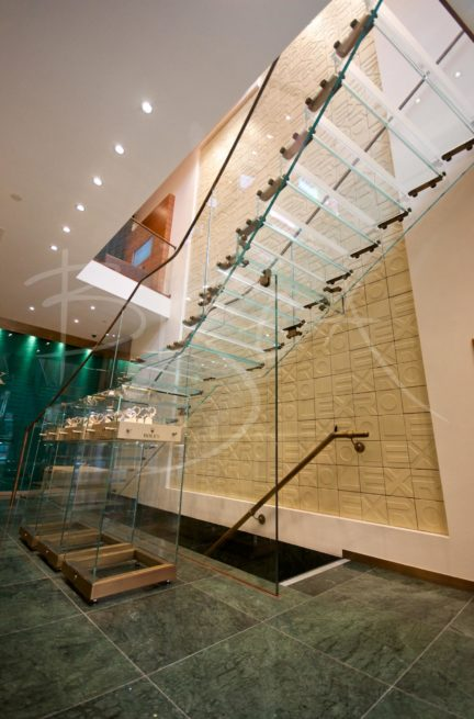 3322 - Bisca glass staircase design for Rolex Leeds