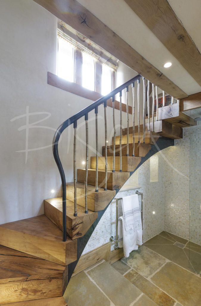 3362 - Bisca oak stair designs