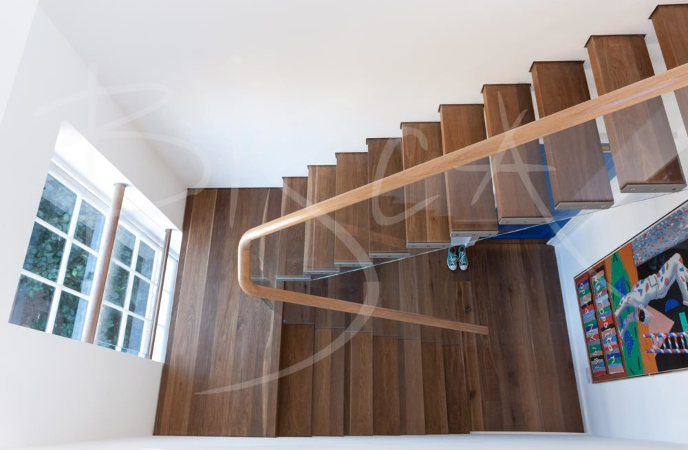 3462 - Bisca bespoke cantilevered staircase design london