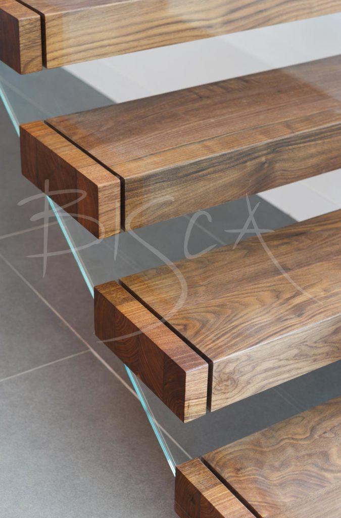 3530 - Bisca Bespoke Cantilever Stair Design