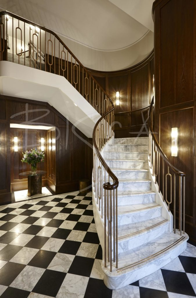 3764 - Bisca classic staircase london