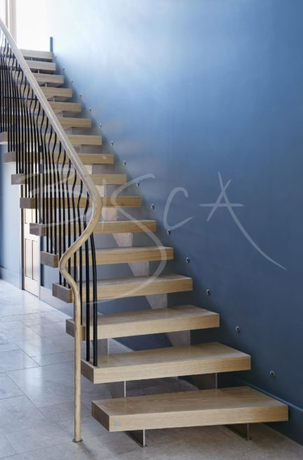 4636 - Bisca multiflight stair design Glasgow