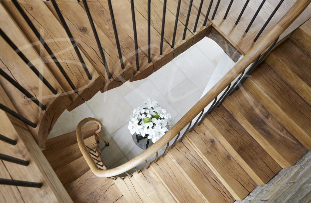 4828 - Bisca stacked oak staircase design