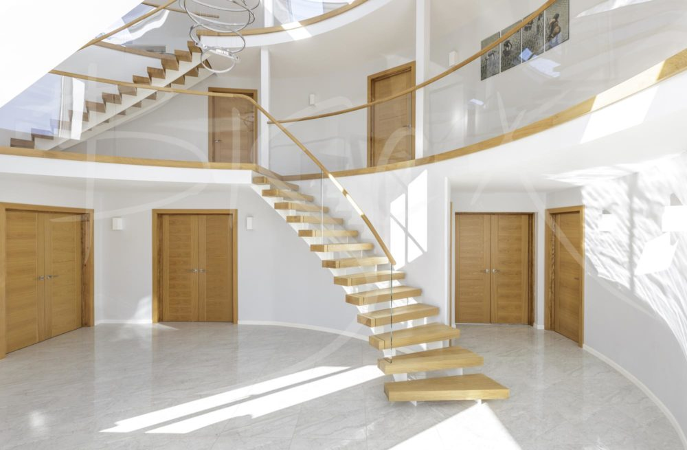 5153 - Bisca Twin Stringer Staircase Buckinghamshire