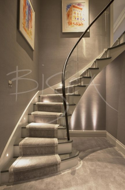 5366 - Bisca apartment staircase with luxury carpet