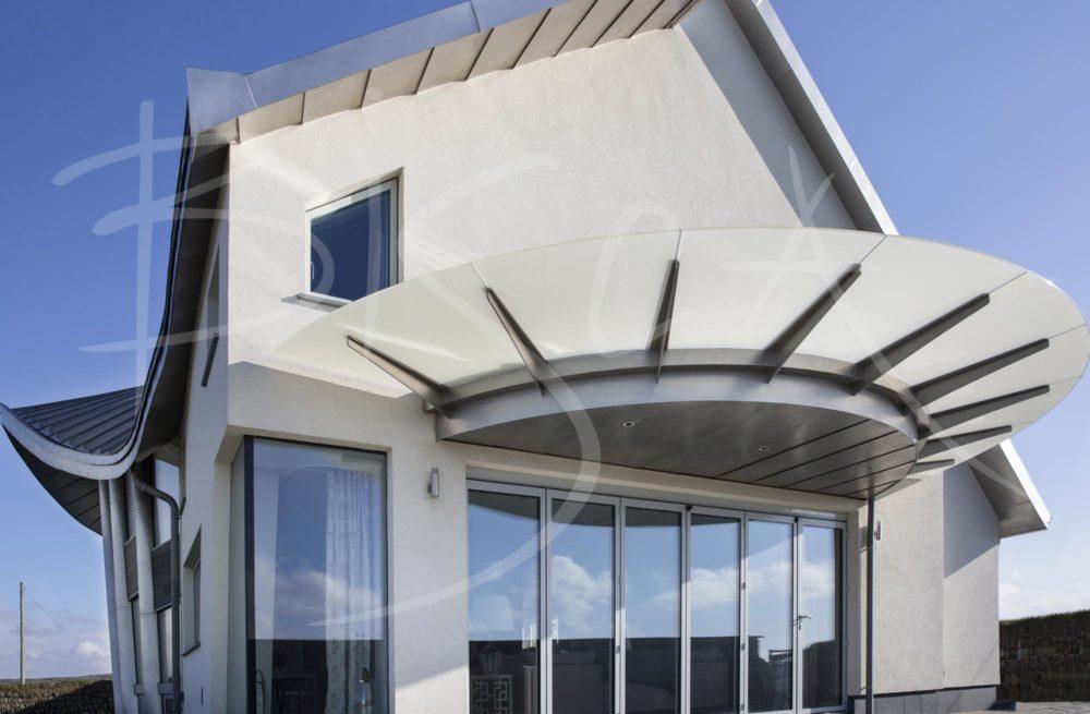 5688 - Bisca Bespoke Domestic Canopy