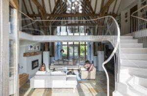 6135 - Bisca bespoke curved stair design