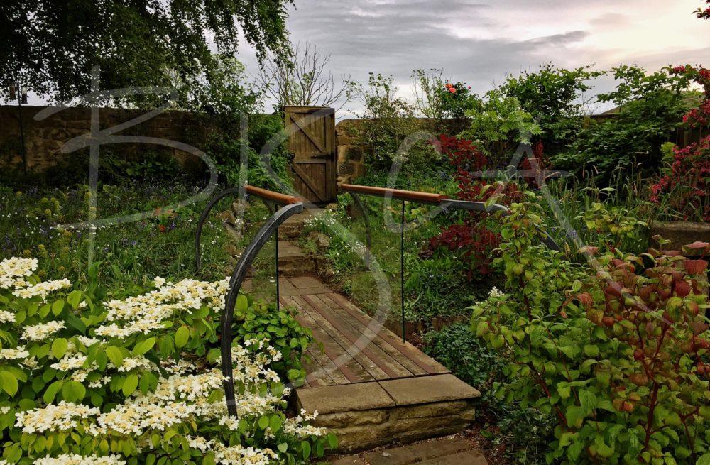 6478 - Bisca garden balustrades