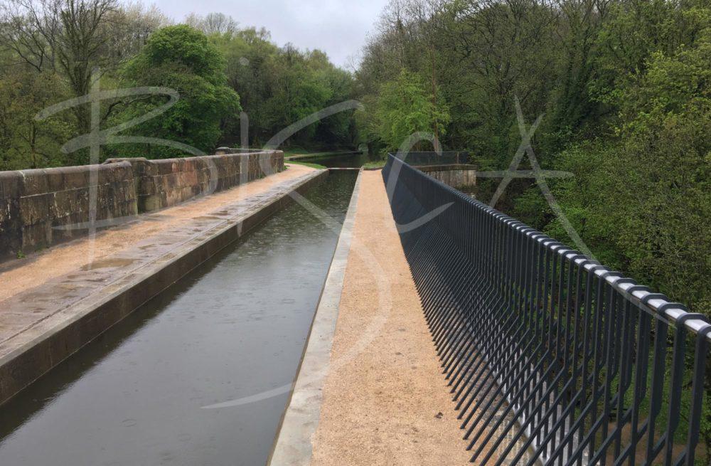 6486 - Bisca Parapet Railing on Marple Aqueduct