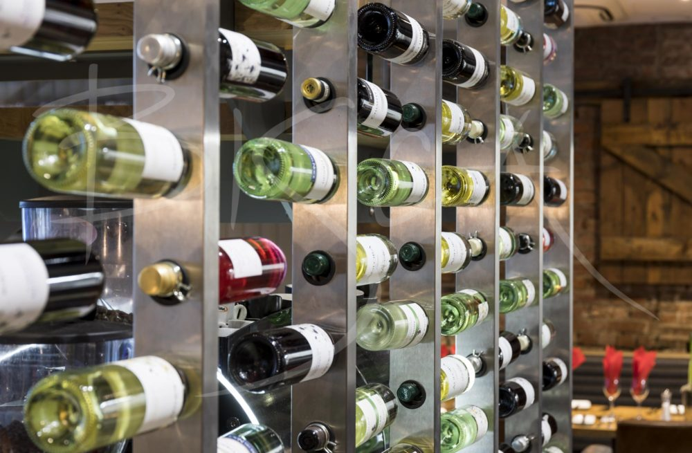 6617 - Bisca wine wall