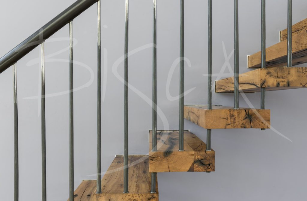 7129 - Bisca Flamed Oak Cantilever Staircase Design