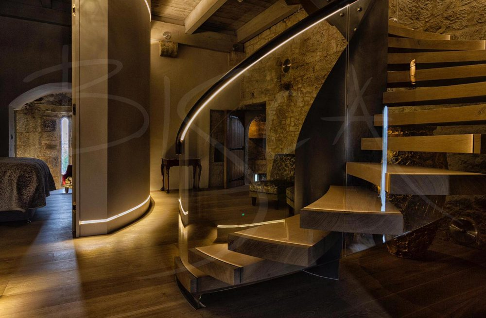 Bisca-6574--Belvelly-Castle-Feature-Staircase-2